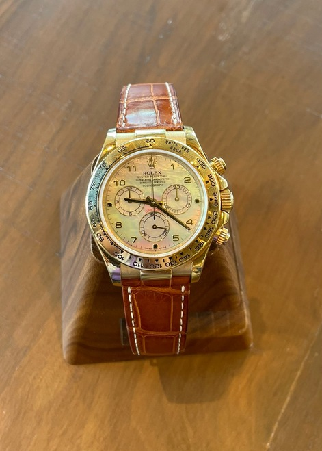 Pre Owned Mens Rolex Daytona 18k Yellow Gold Mother of Pearl