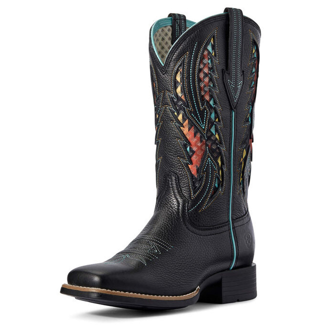 black cowgirl boots