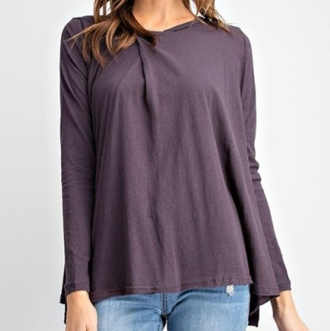 women's flowy tops