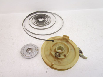 00 Polaris Magnum 325 4x4  Recoil Pull Start Starter Misc Parts and Pieces
