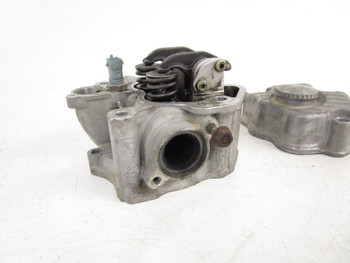 01 Bombardier Traxter 500 Auto Green Cylinder Head Valves 420613375