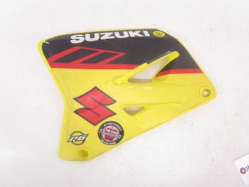 01 Suzuki RM 125  Left Gas Tank Radiator Shroud Cover 2001