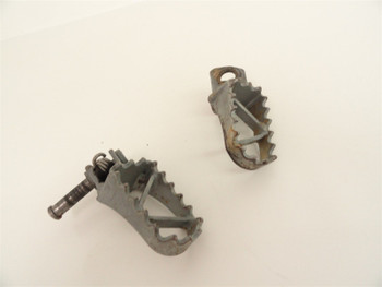 01 KTM 50 Sr Senior Adventure Used Right and Left Foot Pegs Peg Pedals Pedal