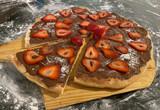 NUTELLA STRAWBERRY PIZZA