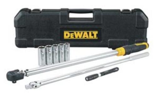 DeWALT 8 Piece Tire Change Kit With Pen Light