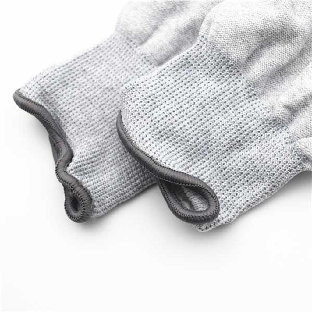 Gloves for soldering