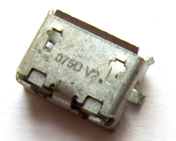 Nokia X7-00 Charging Connector
