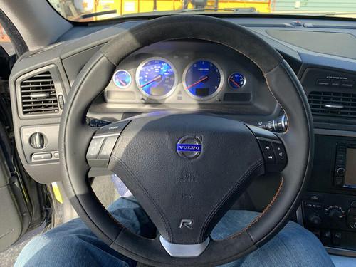 ViVA Performance Volvo S60R/V70R Steering Wheel Upgrades