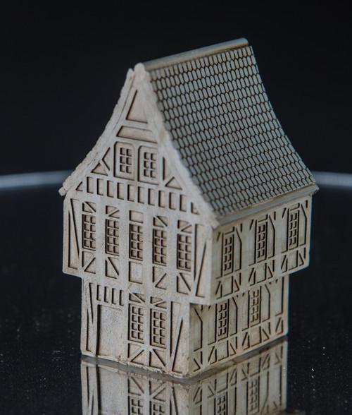 6mm Tudor Building - 285MEV119