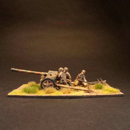 Fallschirmjaeger Pak 40 and Crew