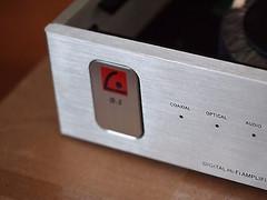 80Wx2 integrated class D power amplifier w/ spdif /optical ( TOSLINK) input !