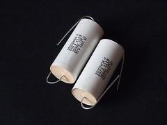 Cornell Dubilier 5uF 250V AC +/-10% capacitor 1pr good for audo coupling !