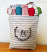 Queen Bee Tote Bag - Tutorial - Accentuate That Bag!