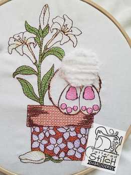 "Lily Butt - 5x7 and 7x12"" Hoop Sizes - Instant Downloadable Machine Embroidery"