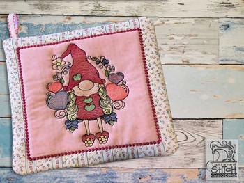 Valentine Gnome Pot Holder - Embroidery Designs