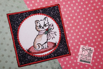 Christmas Kitten Coaster 5x7 In-the-Hoop, Machine Embroidery Pattern - Instant Download - Light Fill Stitch