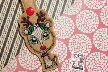 """Reindeer Snap Tab  - Fits into a 5x7""""hoop - Instant Downloadable Machine Embroidery - Light Fill Stitch"""