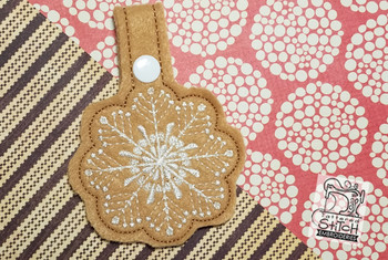 """Snowflake Snap Tab  - Fits into a 5x7""""hoop - Instant Downloadable Machine Embroidery - Light Fill Stitch"""