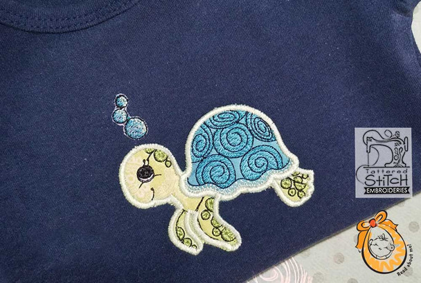 """Baby Turtle - Fits into a 4x4"""" & 5x7"""" Hoop - Instant Downloadable Machine Embroidery"""