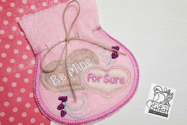 """Be Mine Valentine Jewelry Pouch fits a 5x7"""" Hoop - Instant Downloadable Machine Embroidery"""