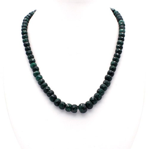 Large faceted natural emerald bead necklace, 437 carats