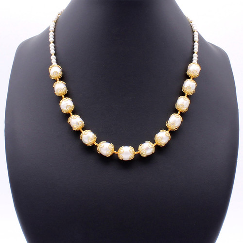 Brizo Pearl Necklace