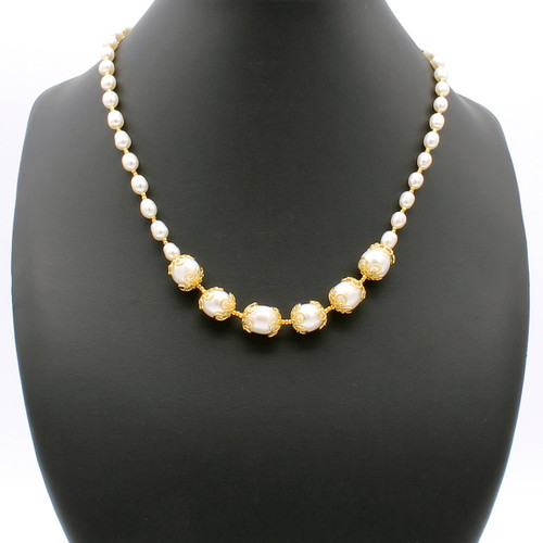 Delphin Pearl Necklace