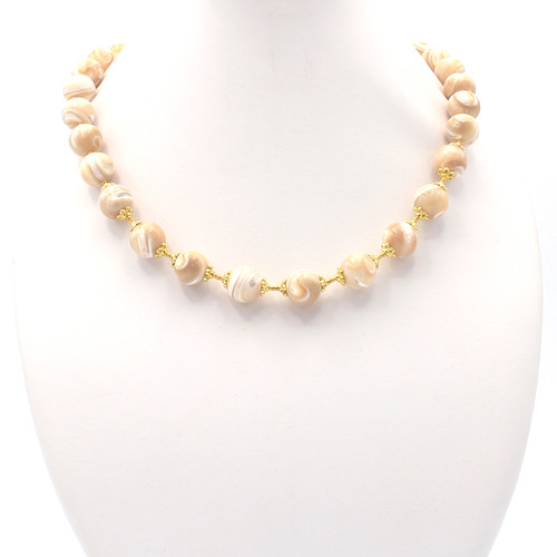 Elara Mother of Pearl Necklace