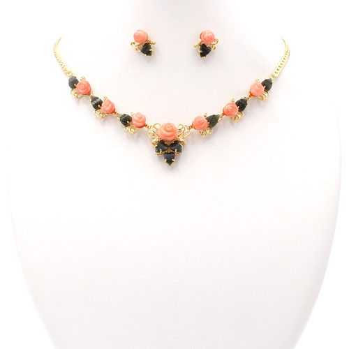 Matching necklace and earrings set made of coral, jade, and real gold