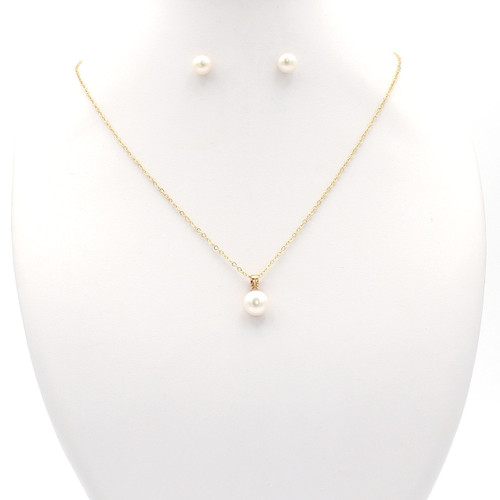 Matching set: white freshwater pearl necklace, earrings and ring