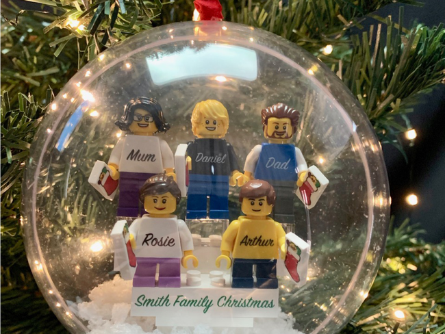 Personalised Happy Christmas Family Bauble! 5 Figures included!