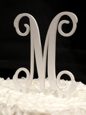 Single Letter Monogram Cake Topper www.tinytulip.com