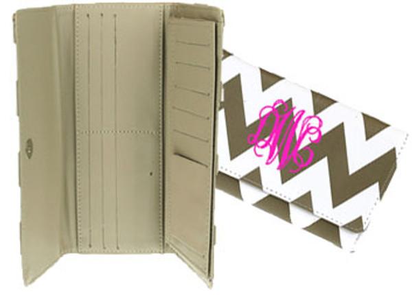 Monogrammed Chevron Wallet www.tinytulip.com