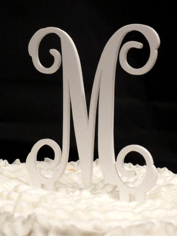 Single Letter Monogram Cake Topper www.tinytulip.com