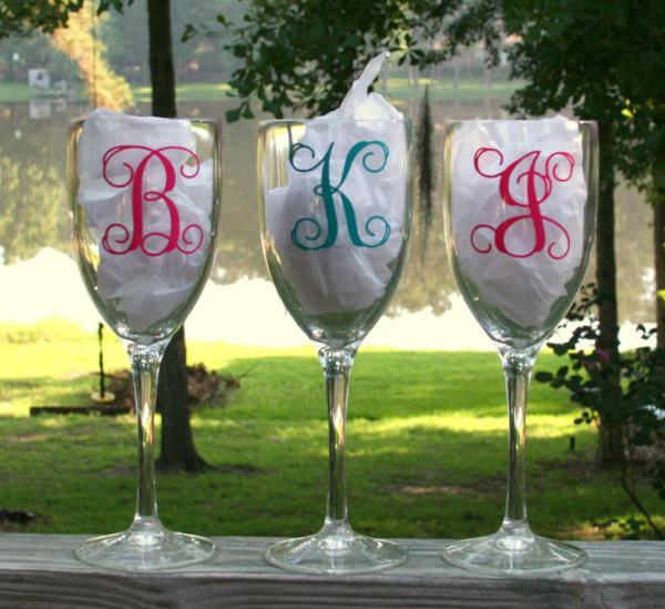 Monogrammed Acrylic Wine Glass Single Initial Interlocking Font, Hot Pink & Teal
