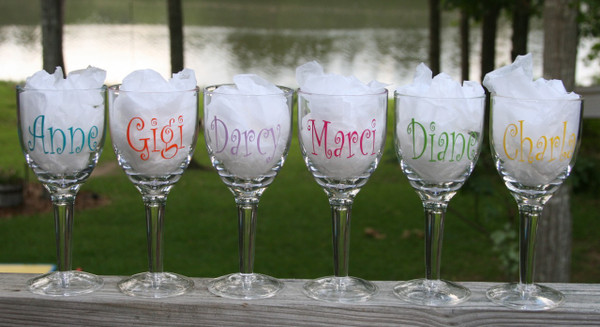 Monogrammed Acrylic Wine Glass Curly Font
