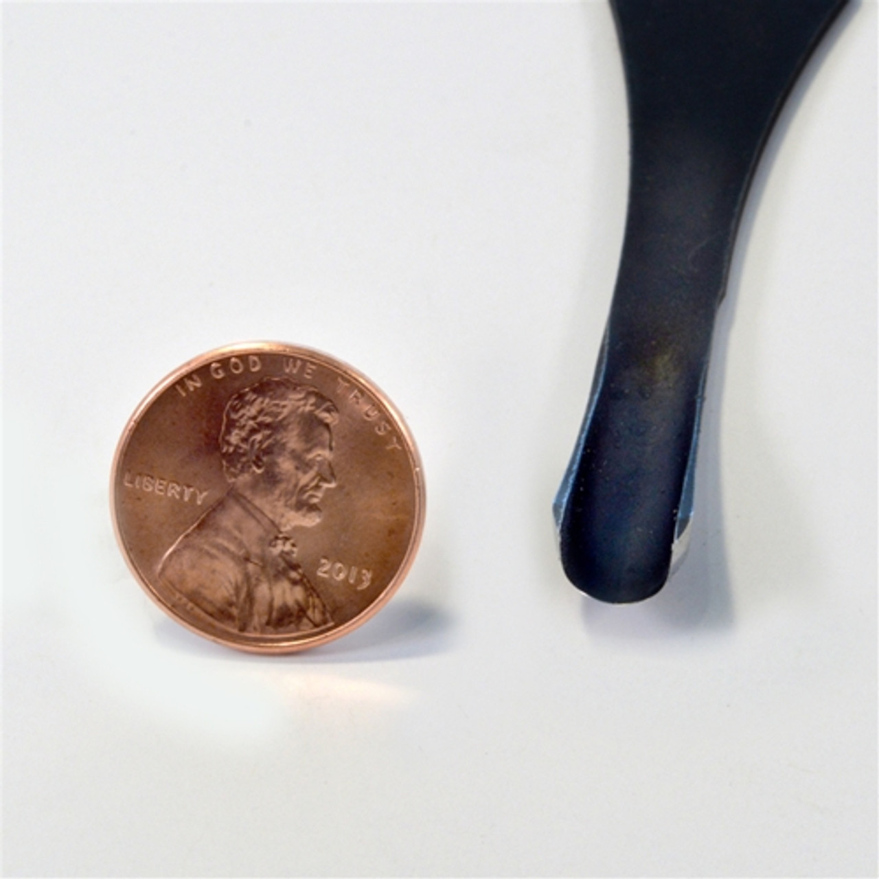 """Flexcut FR408 Palm Carving #11 x 1/4"""" Gouge next to a penny to show oyu the size of the gouge."""