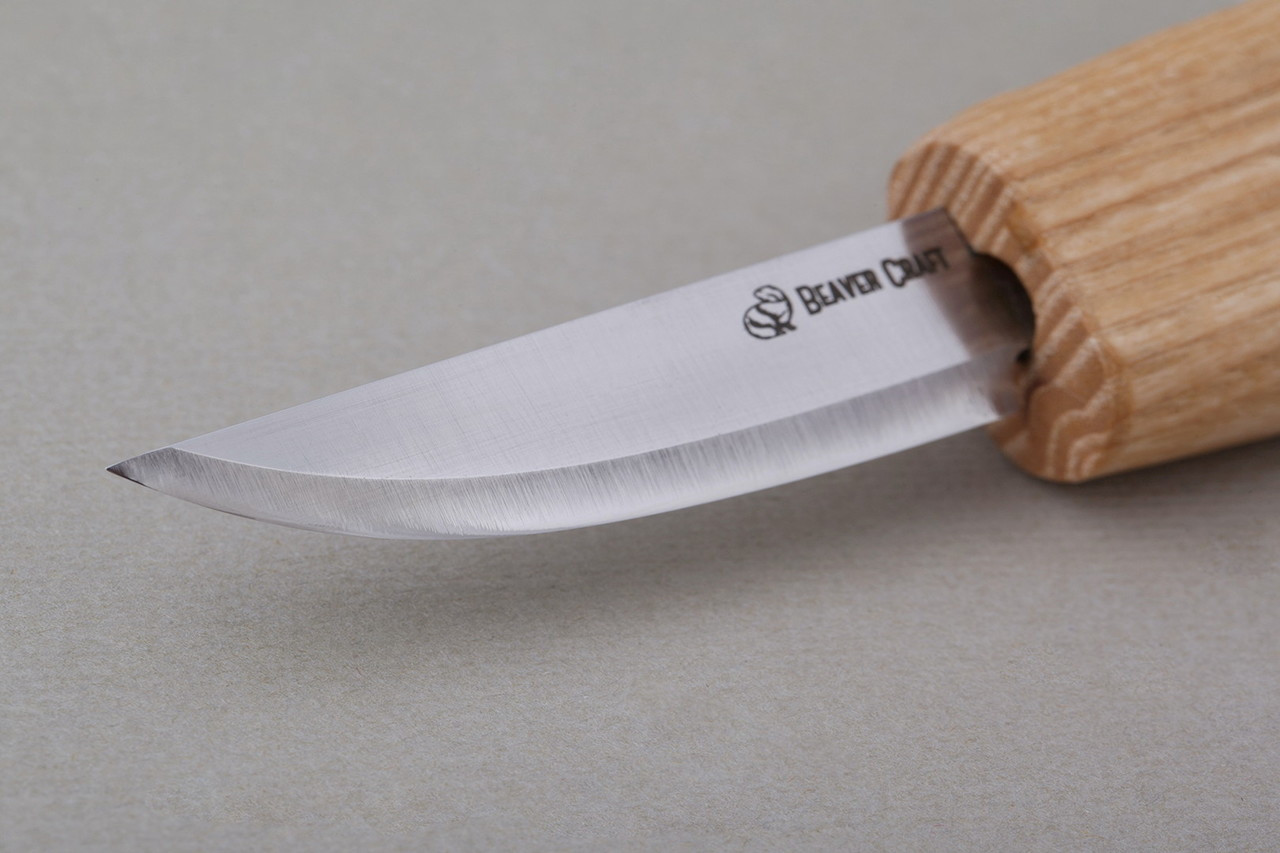 Close up view of the blade and cutting area on the Beaver Craft Small Whittling Knife.