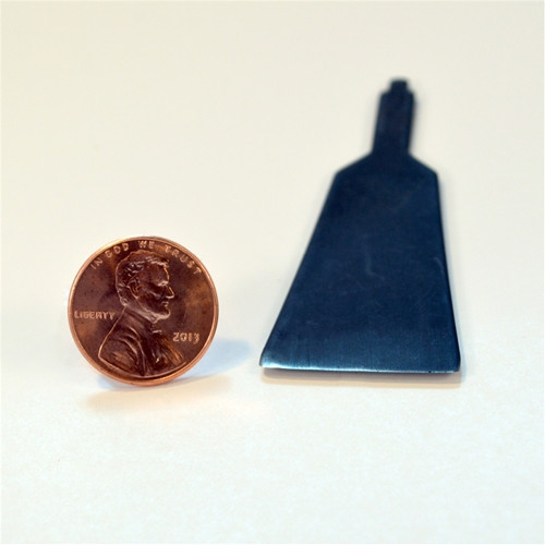 Flexcut  chisel Made in the U.S.A. with high quality spring steel, each tool is extremely sharp.