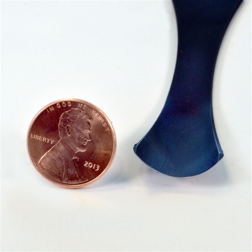 "Flexcut  Interchangeable #8 x 11/16""Gouge shows the actual size of the gouge compared to a penny."