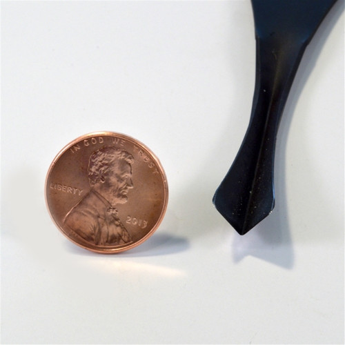 """Flexcut FR403 Palm 70° x 3/8"""" V-Tool next tp a penny to show the size of the V."""