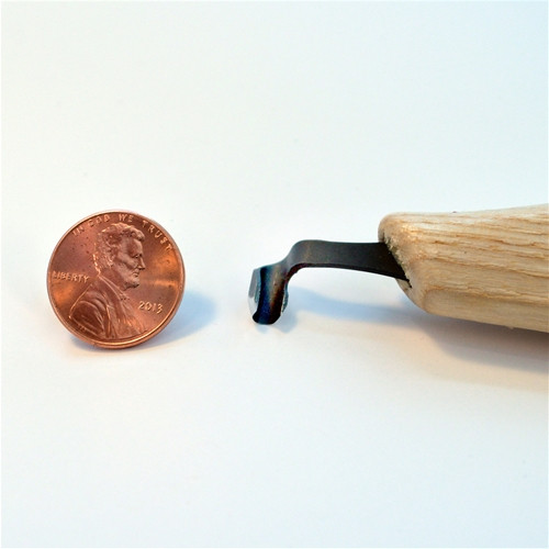 Flexcut KN21 Right-Handed Scorp compared to a penny.