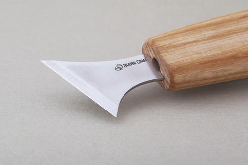 Beaver Craft Geometric Carving Knife showing the razor sharp edge.