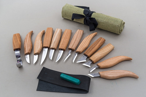 Beaver Craft Deluxe Carving Set shown out of the tool roll.
