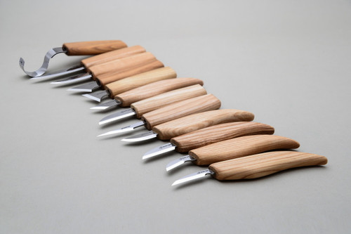 Beaver Craft Deluxe Carving Set showing all 11 knives.