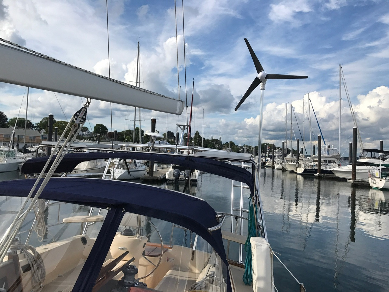 Arch-mounted Marine Kinetix MK4+ on Steve  Lazrove's sailboat.