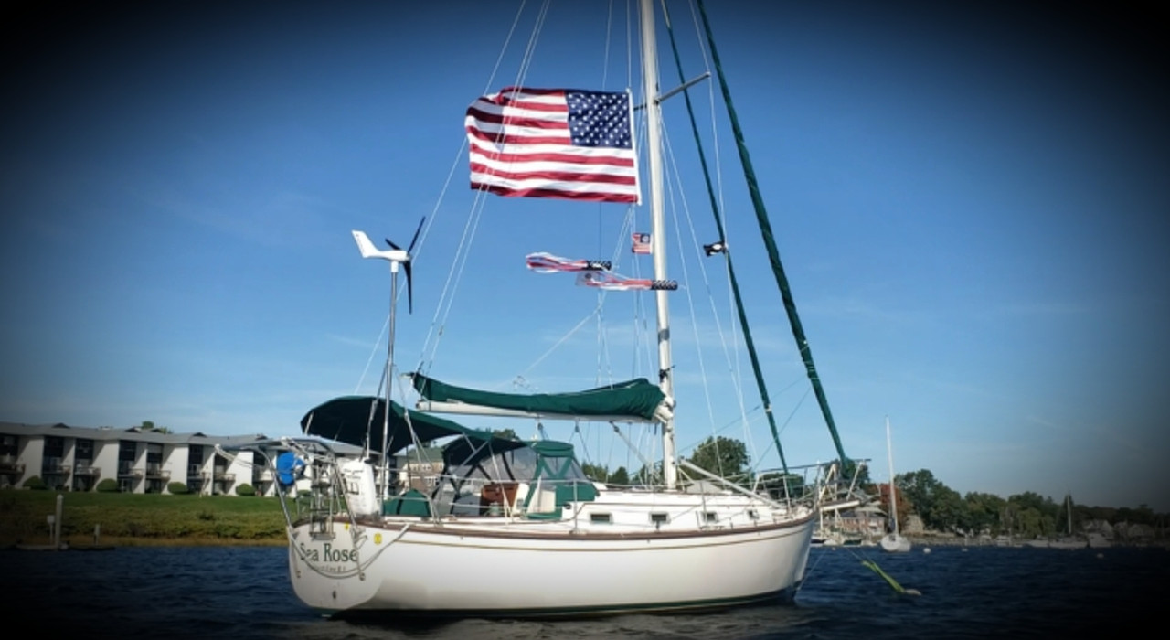 Showing energy autonomy and patriotism on the Sea Rose!