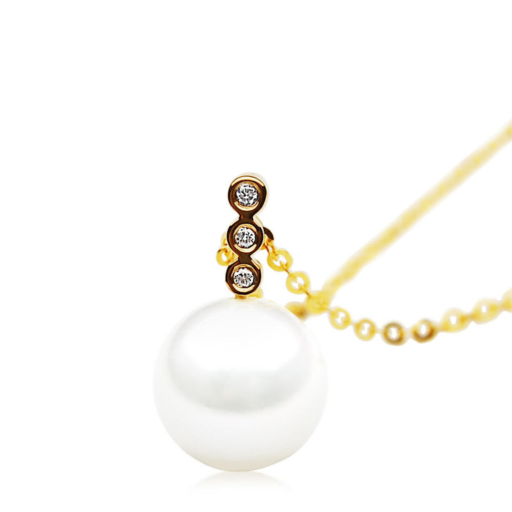 pacific pearls FP010 AAA 11mm White Freshwater Cultured Pearl Earrings Yellow Gold And Diamonds