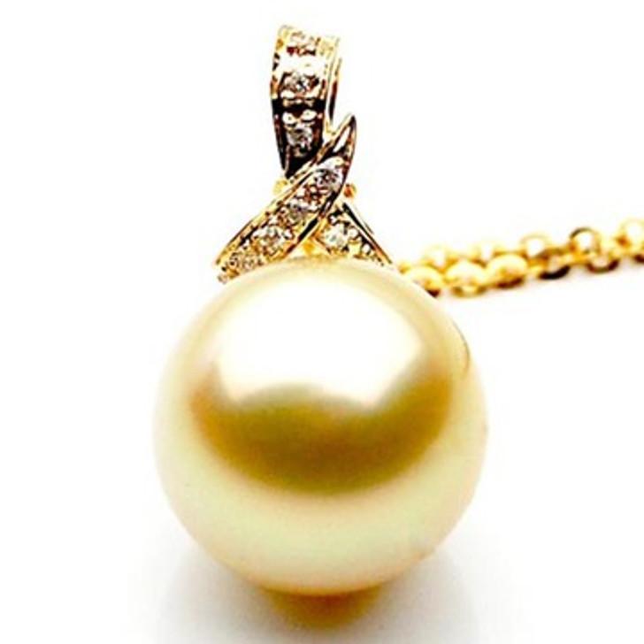 GP026 (AAA 12mm Australian Golden South Sea Pearl Pendant and Diamonds )