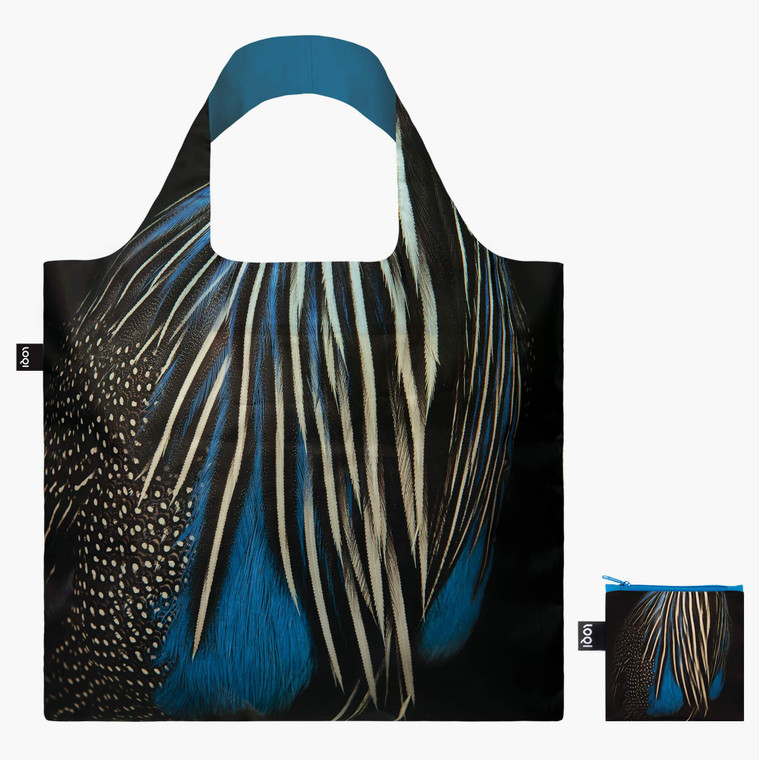 The Guineafowl tote bag displays the animal´s beautiful plumage with black and cobalt blue feathers.